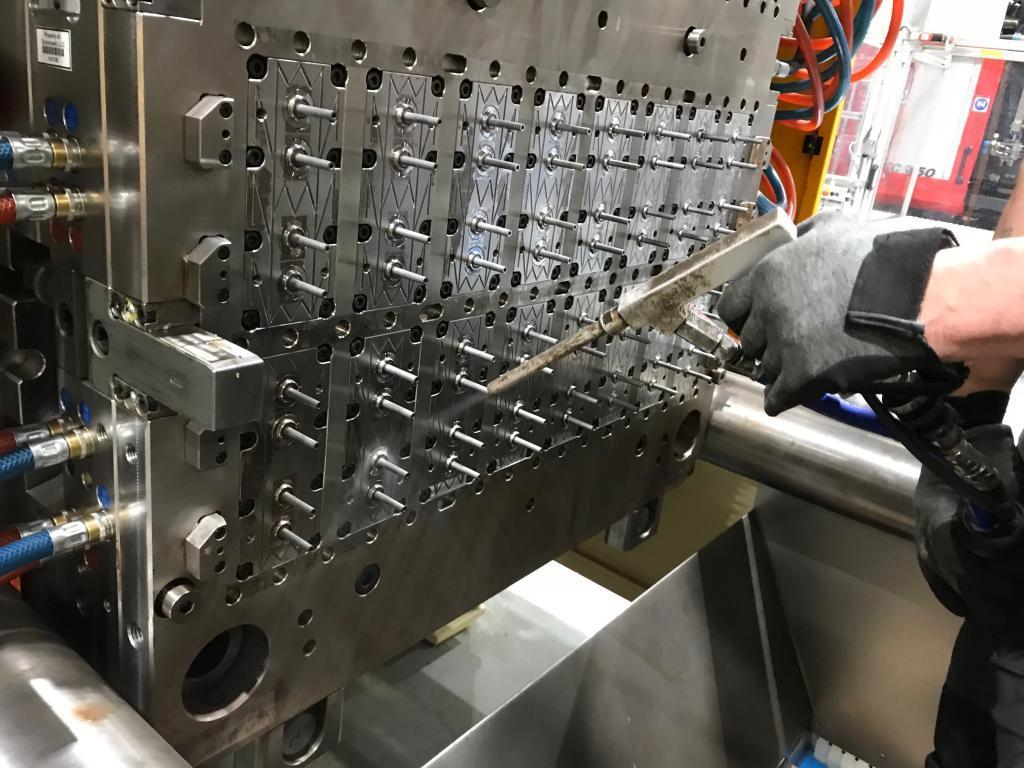 Trockeneisreinigungsanlagen für Werkzeuge